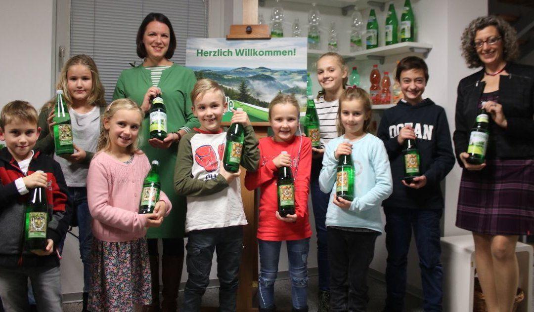 NATURKUNST-BILDER AUF WALDQUELLE GLASFLASCHEN