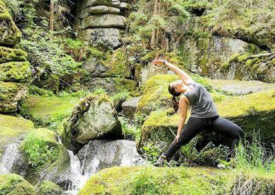 Mit dem Leben fließen – Yoga im Waldviertel