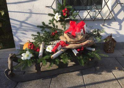 Weihnachtlicher Deko-Schlitten